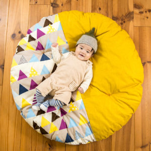 赤ちゃん用の可愛い座布団