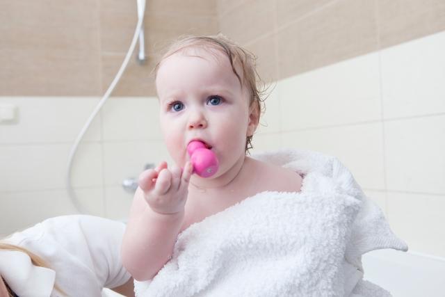 お風呂好きの赤ちゃん