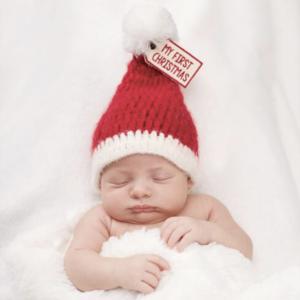 赤ちゃんの可愛いサンタコスチューム