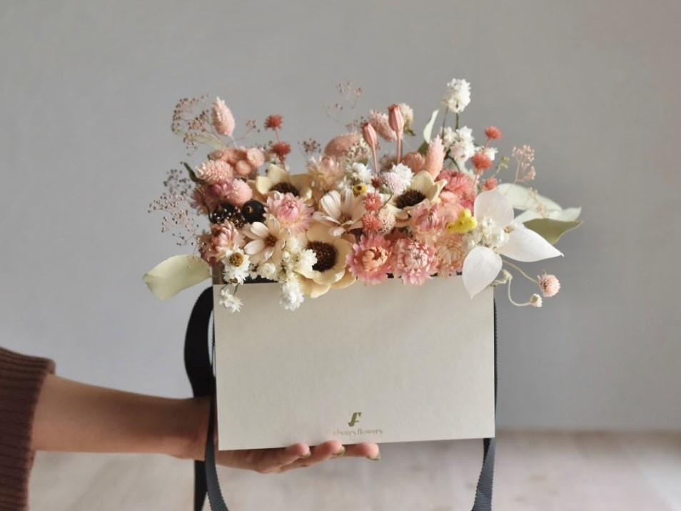 【出産祝い】素敵な花を贈ろう!おすすめ10選。〜マナー&花言葉〜
